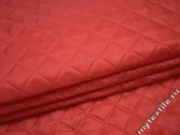 Подкладка стеганая красная из полиэстера ДГ416