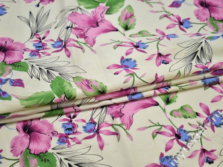 Вискоза белая с цветочным узором ББ212