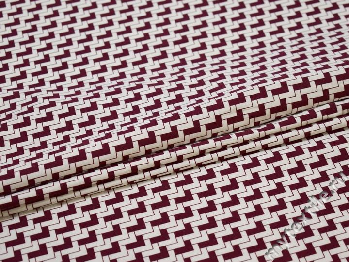 Рубашечная белая бордовая ткань геометрия хлопок эластан ЕВ554