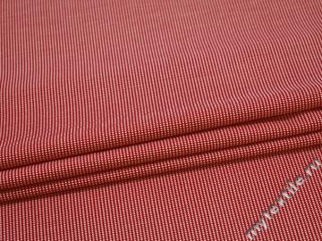 Костюмная красная белая ткань геометрия хлопок эластан ЕА549