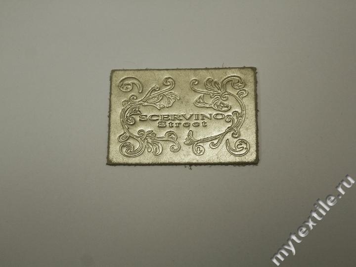Нашивка (патч) золотая из кожи