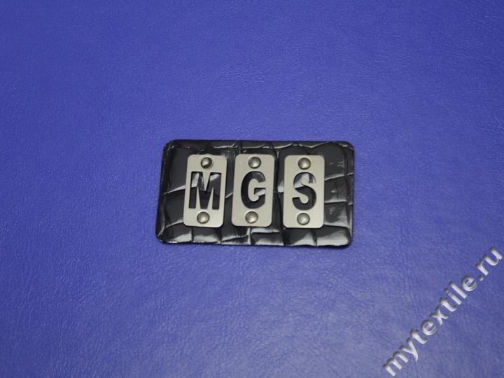 Нашивка патч черного цвета с надписью MGS