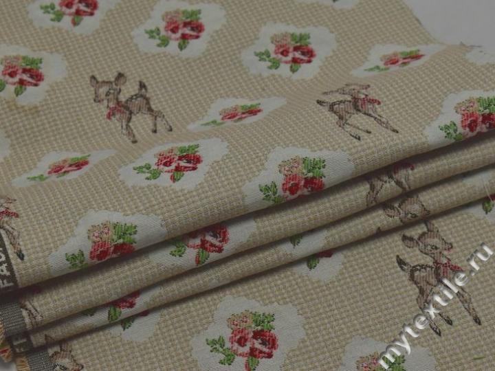 Обивочная ткань с анималистическим и цветочным принтом