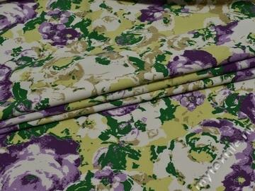 Джинс с фиолетовым цветочным узором